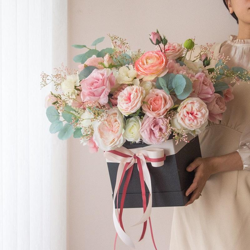Hoa lụa làm quà tặng hoặc trang trí nhà cửa
