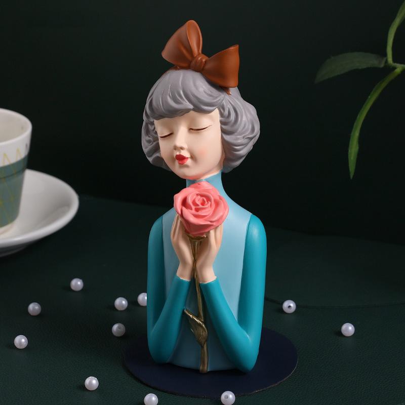 tuong co gai om hoa